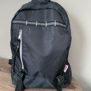 NWOT  Leeds Black Lightweight Backpack